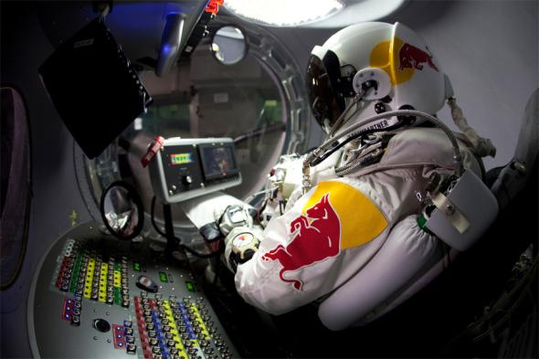 Felix Baumgartners Red Bull Stratos Projekt - (c) felixbaumgartner.com / Zum Vergrößern auf das Bild klicken