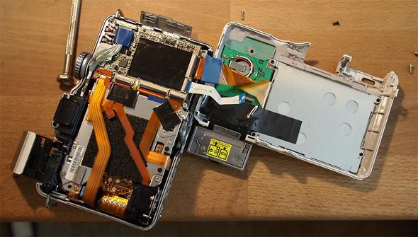 Reparatur Digicamdisplay - Foto: Tim (Zeitfixierer) - CC BY-SA 2.0 / Zum Vergrößern auf das Bild klicken