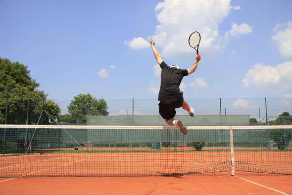 Tennisspieler - © Andreas Haertle - Fotolia.com / Zum Vergrößern auf das Bild klicken