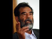 Saddam Hussein - Foto: N/A. Edited by jjron - Public Domain
