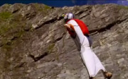 Wingsuit Base Jumping - (c) Youtube-User: jeffreydj2